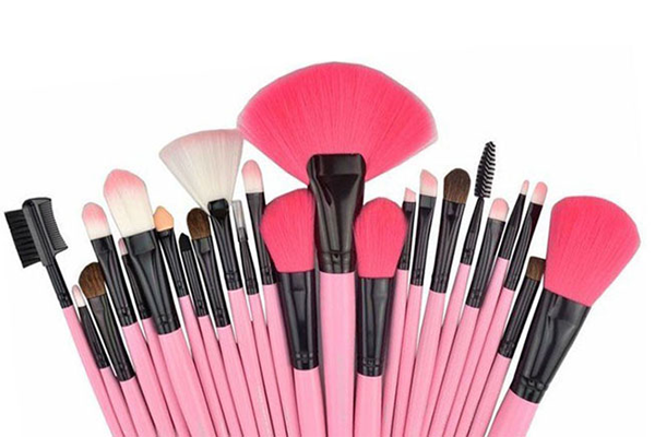 makeup brushes for makeup lover